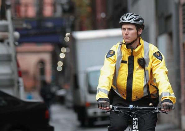 https://paladinsecurity.com/wp-content/uploads/2016/12/Guard-on-bike-Best-1-e1555624922362.jpg